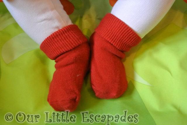funky giraffe baby socks