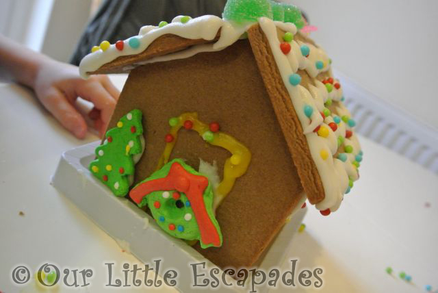 Gingerbread_House_21