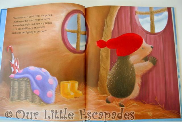 LittleTigerChristmasBooks19