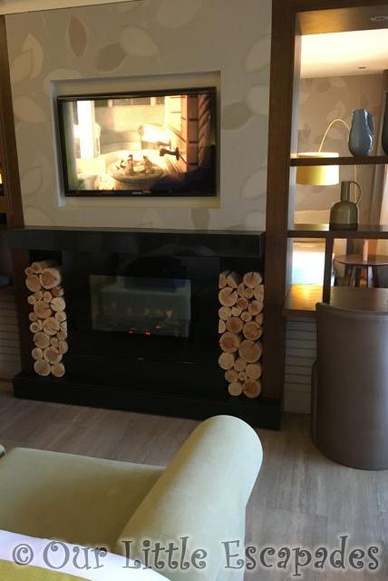 Elveden_Forest_Luxury_Spa_Suite2