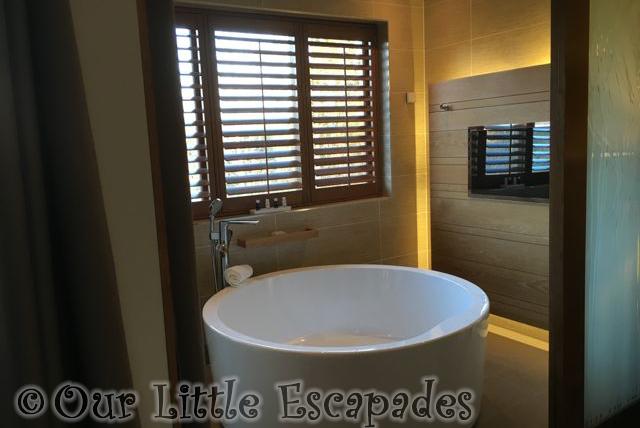Elveden_Forest_Luxury_Spa_Suite_28