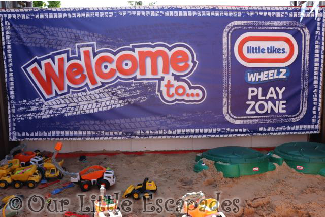 Diggerland kent little tikes wheelz play zone