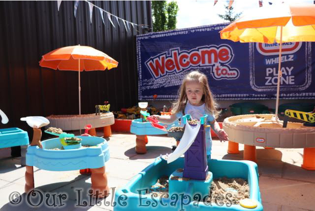 little e sand tables diggerland little tikes wheelz play zone
