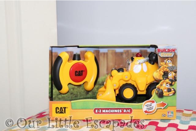 cat buildin crew EZ machines RC