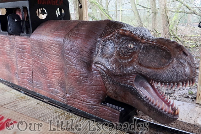 REX-EXPRESS world of dinosaurs paradise wildlife park