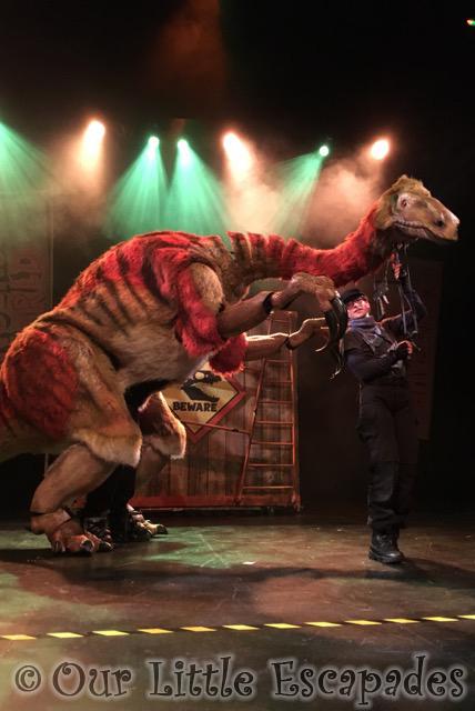 dinosaur world live segnosaurus