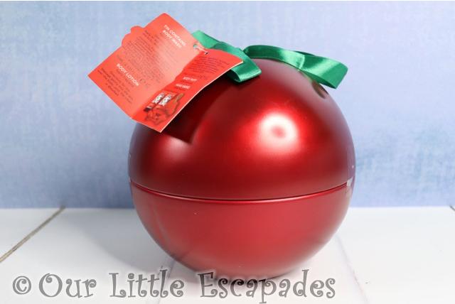 snow white christmas gifts disney snow white bath body pamper tin