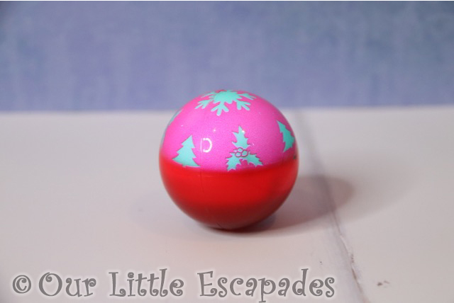 christmas gifts for your cat light up festive cat ball pink