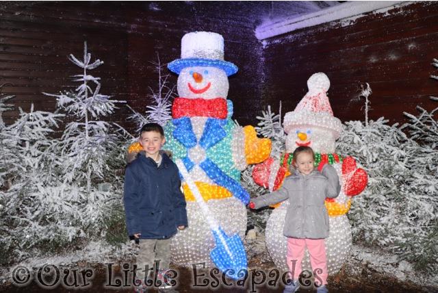 christmas lights santas woodland workshop center parcs elveden forest