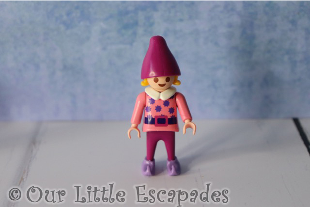 elf pink hat playmobil advent calendar santas workshop