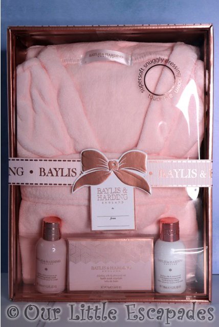 baylis & harding jojoba silk almond oil gown set valentines day gift ideas