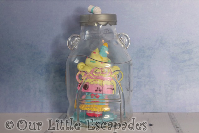 num noms mystery make up surprise yummy sweetcakes bottle home
