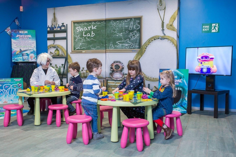 Play-Doh sea life shark lab