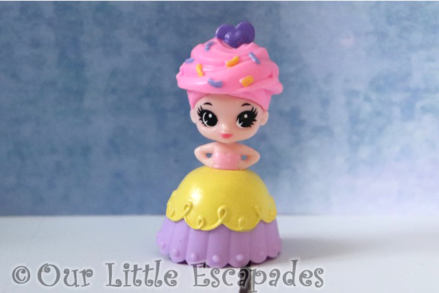 Zuru 5 SURPRISE Purple Season 2 purple cupcake princess