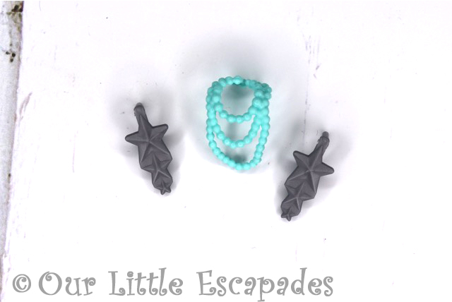 boxy girls riley necklace star earrings
