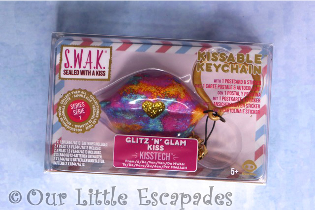 swak sealed with a kiss kissable keychains glitz n glam kiss