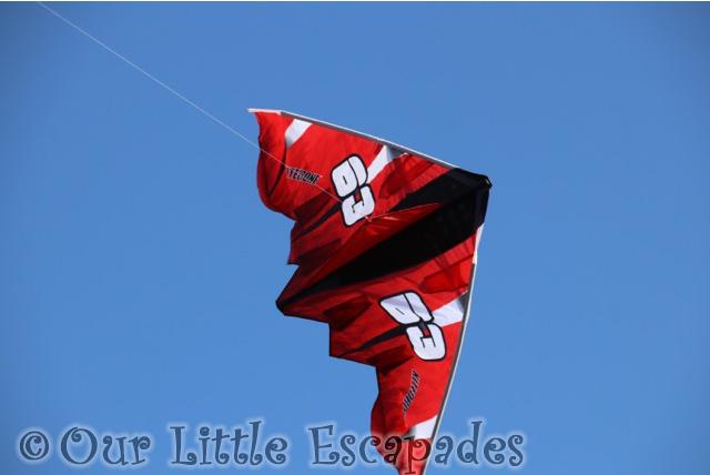 kitedrone fusionwing red baron kite flying