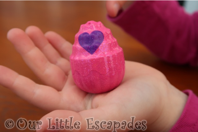 HATCHIMALS blissful bay egg