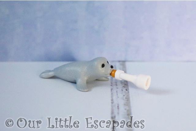 playmobil seal pup feeding bottle