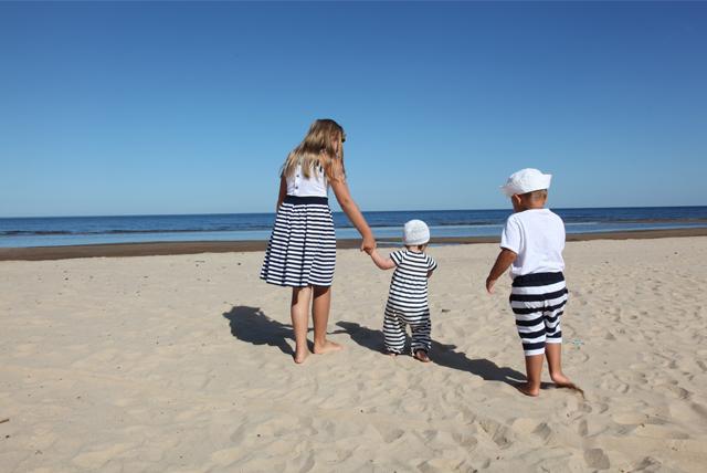 beach blue family
