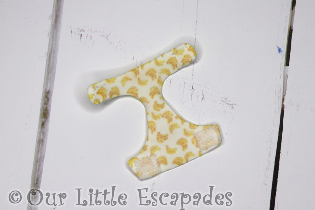 color changing diaper banana pattern