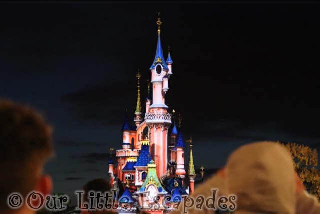 disney illuminations main street disneyland paris