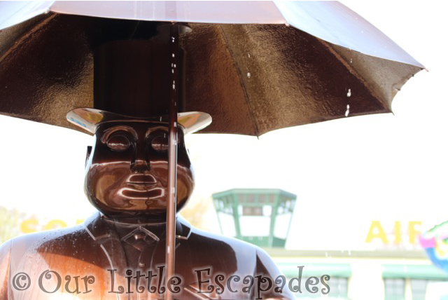 fat controller statue thomas land drayton manor