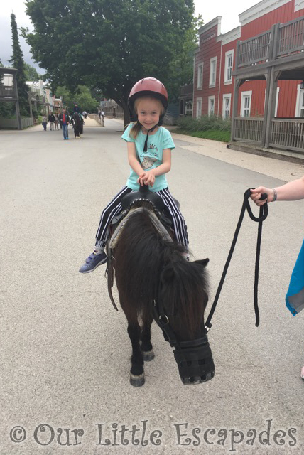 little e pony rides disneys hotel cheyenne disneyland paris