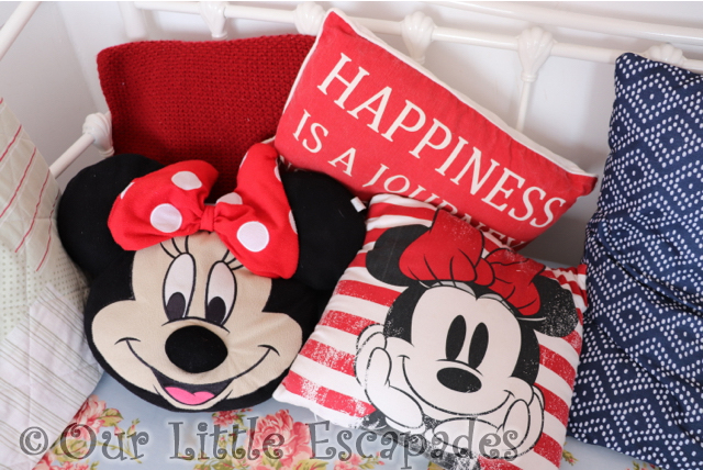 minnie mouse cushions