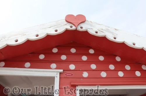 red white minnie mouse beach hut