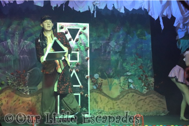 stonham barns pirate adventure show robbie james magic