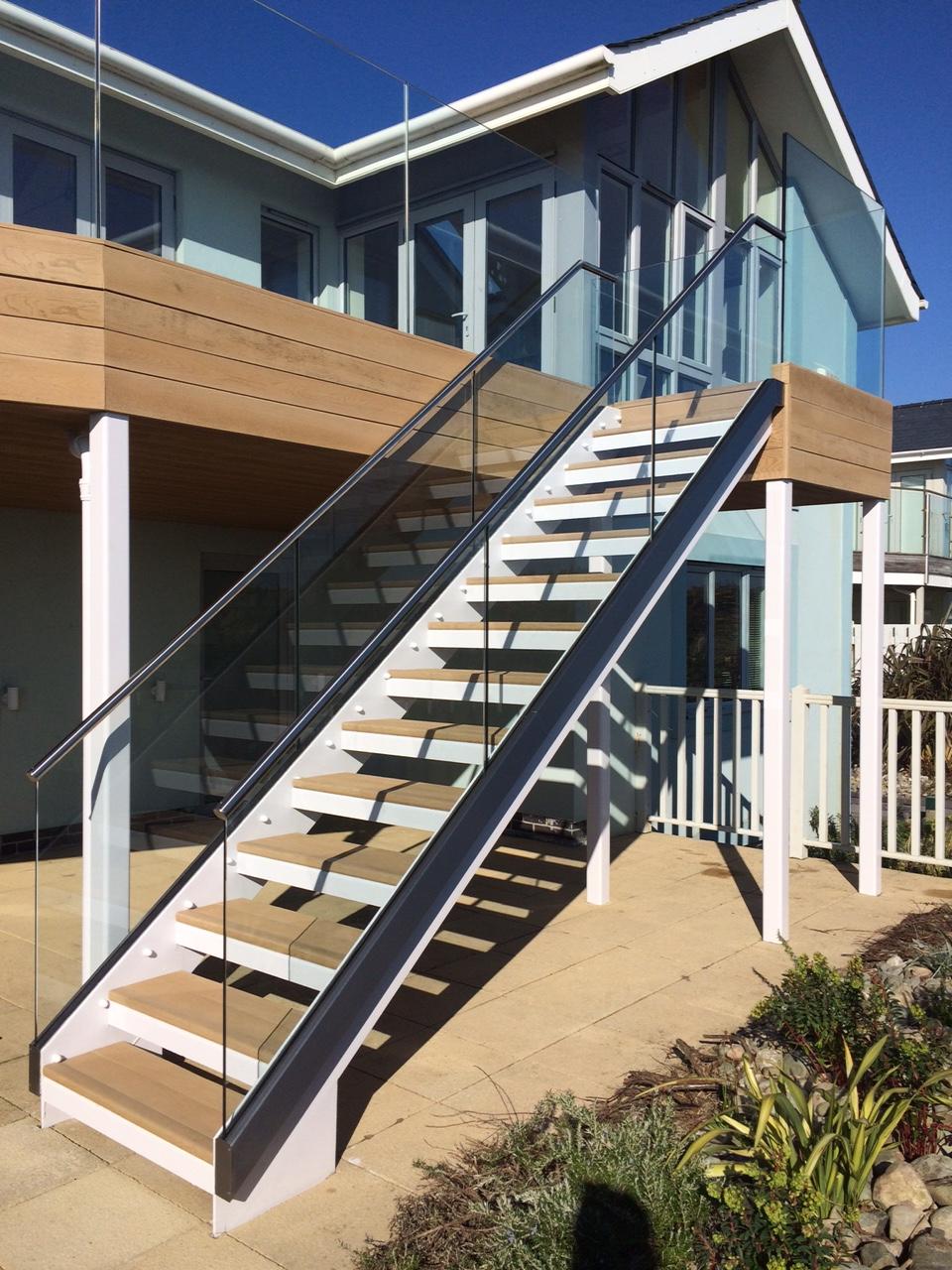 glass balustrades balconies