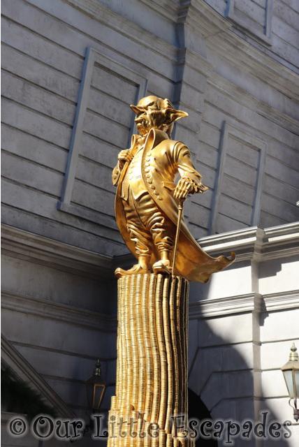 gringott gold goblin statue diagon alley wizarding world harry potter