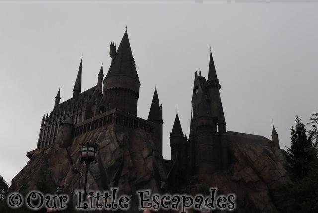 hogwarts castle hogsmeade wizarding world harry potter