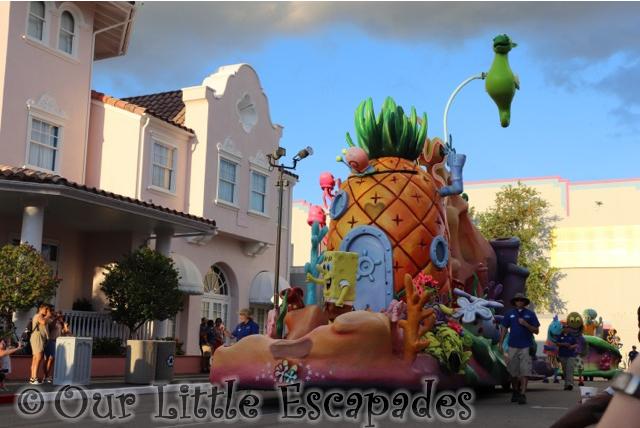 sponge bob square pants parade float universal superstar parade