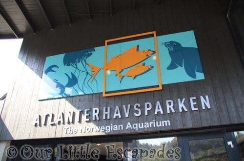 atlanterhavsparken alesund norwegian aquarium sign