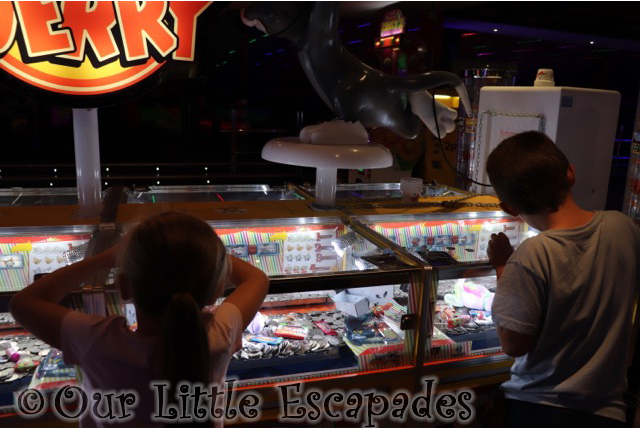 ethan little e 10 pence machines amusement area rollerbowl romford