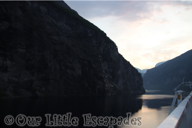 geirangerfjord sunrise sailing norway disney magic
