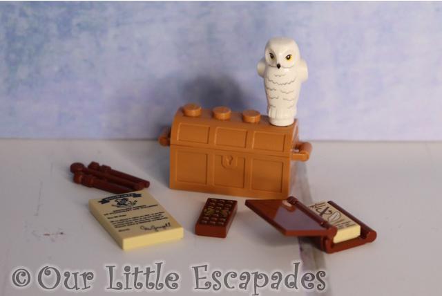hedwig hogwarts school items lego harry potter advent calendar 2019 contents