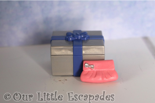 christmas gift pink purse