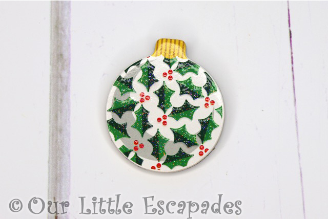 holly leaf pattern magnetic christmas tree bauble