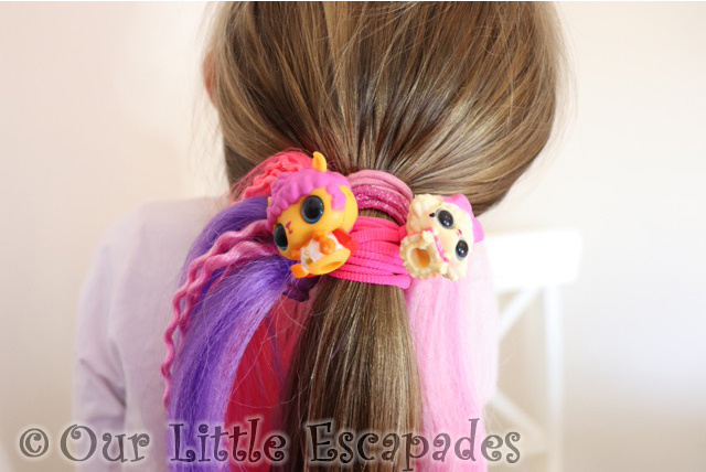 little e ponytail wearing pop hair pets