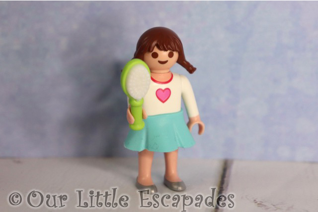little girl hair brush playmobil jumbo advent calendar