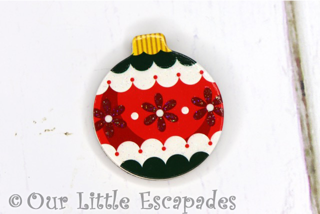 red flower pattern magnetic christmas tree bauble