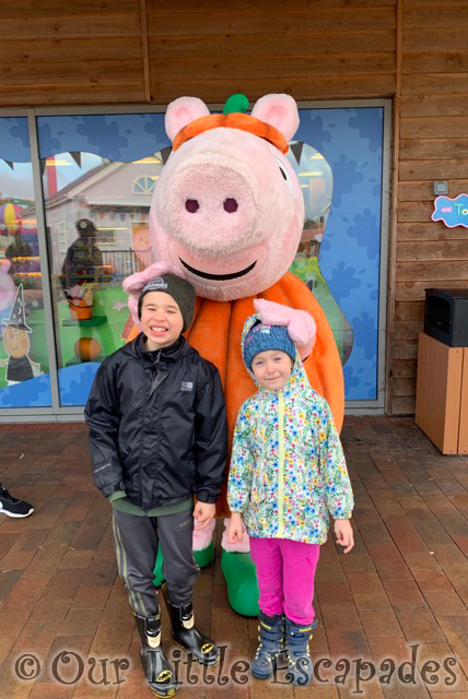 ethan little e meeting george peppa pig world paultons park