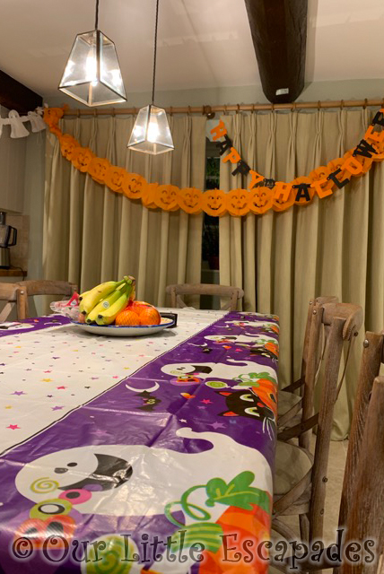 halloween decorations dining table orchard cottage dillington estate