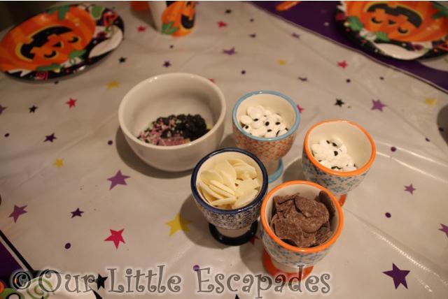 cupcakes decorating ingredients