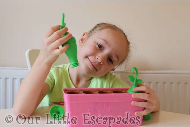 little e popping sprouts blume baby pop