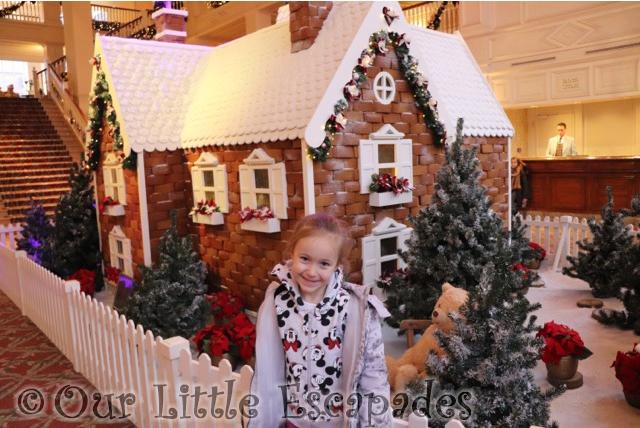 disney gingerbread house disneyland hotel paris disneyland paris at christmas