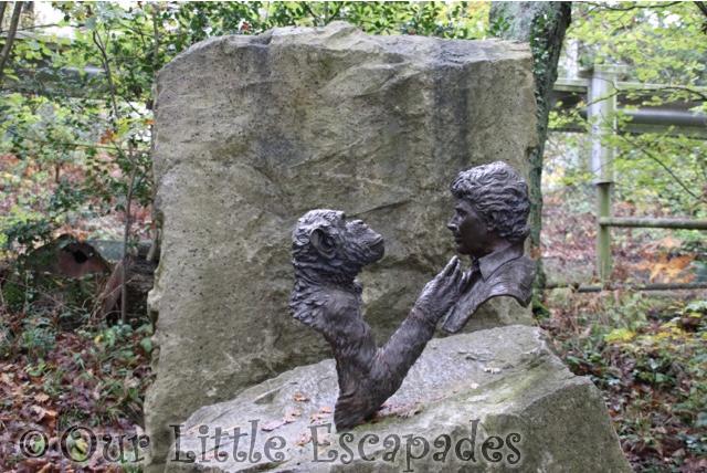 jim cronin memorial statue monkey world dorset